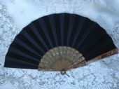 Antique and Vintage Fans All kinds of collectable fans 19th- 21st Centuries    CLICK HERE TO BROWSE